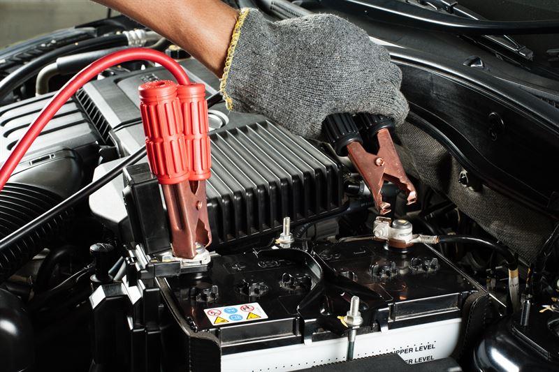 Jak doładować akumulator? Instrukcja krok po kroku